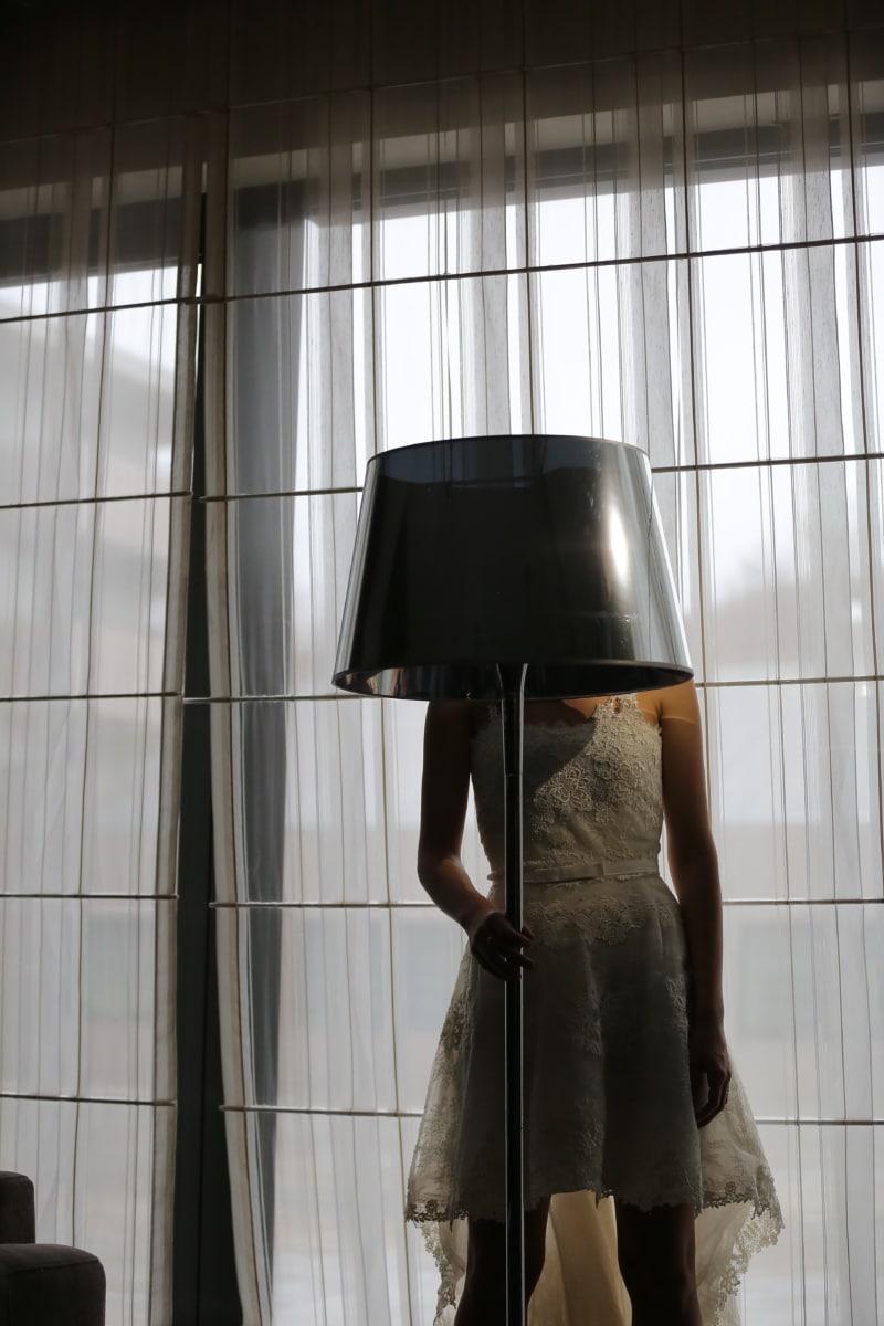 Hochzeitskleid, Lampe, Wohnzimmer, Eleganz, Hotel, posiert, Fenster, Reflexion, Mode, Licht