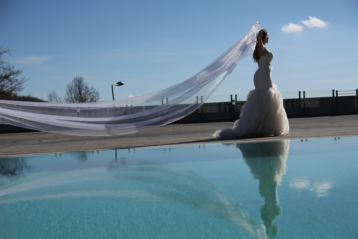 bride, wedding dress, happiness, veil, swimming pool, posing, reflection, fashion, water, wedding