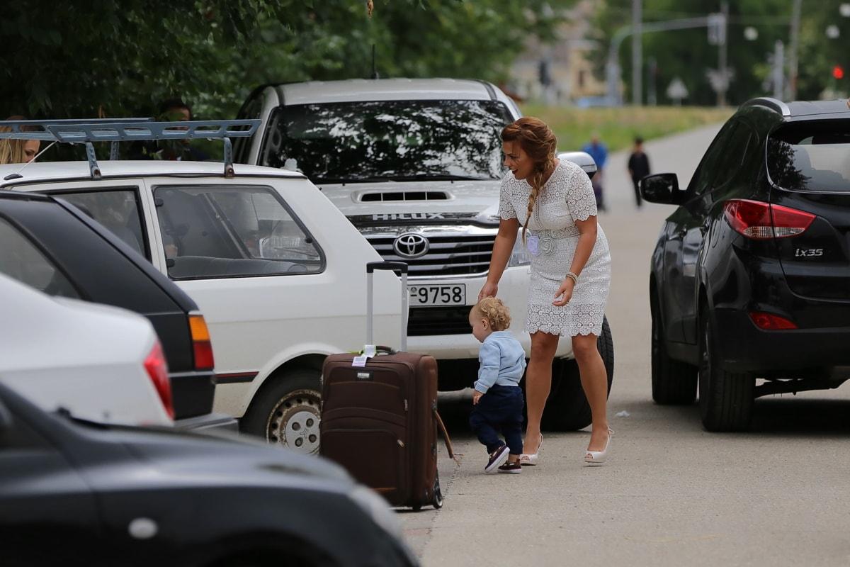 幼児, 駐車場, マタニティ, 駐車場, 車, 息子, 母性, 自動車, ミニバン, 車両