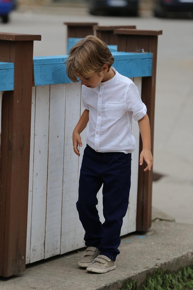 Junge, Anzug, Fuß, Hose, beiläufig, Straße, untergeordnete, Menschen, Porträt, niedlich