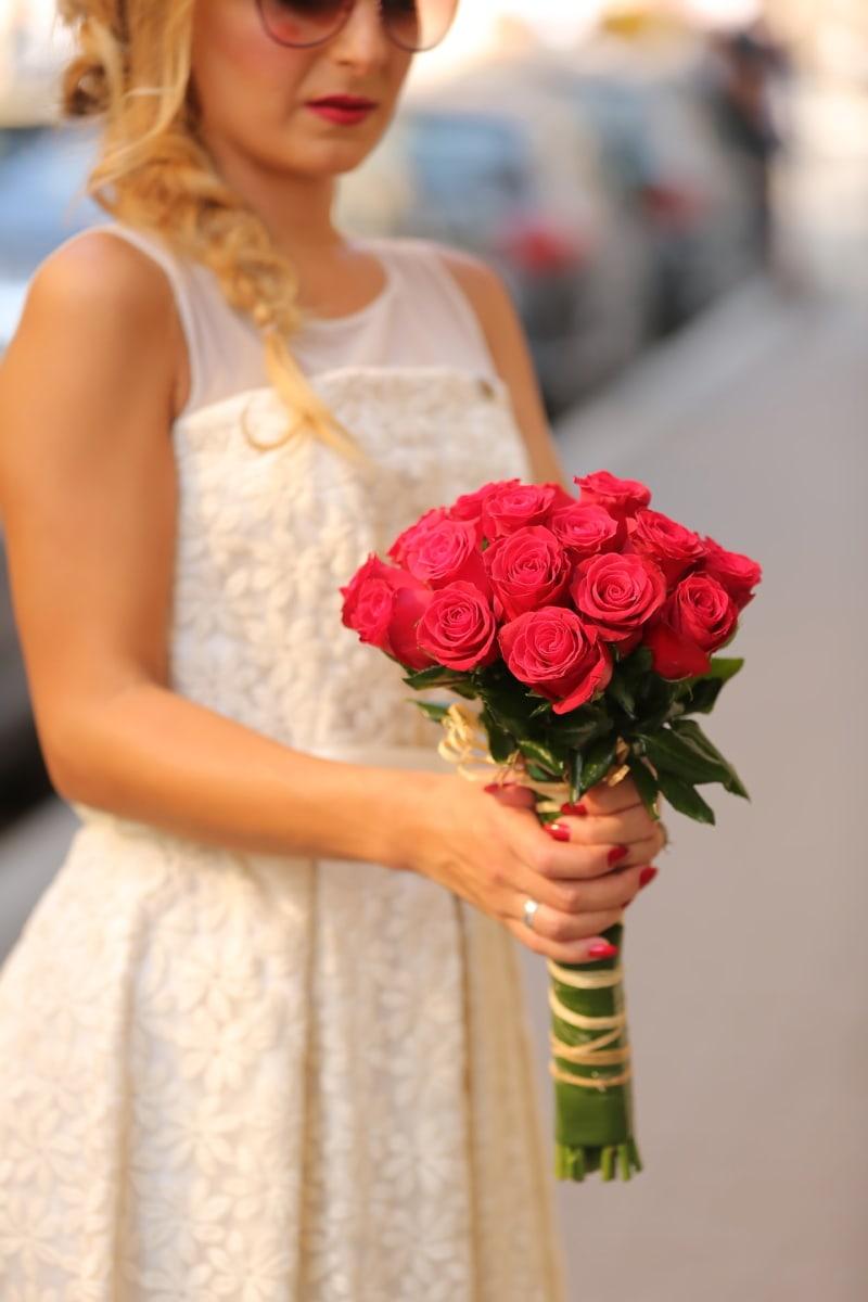 bruden, ekteskap, ung kvinne, bukett, rød, roser, frisyre, solbriller, bryllup, blomst