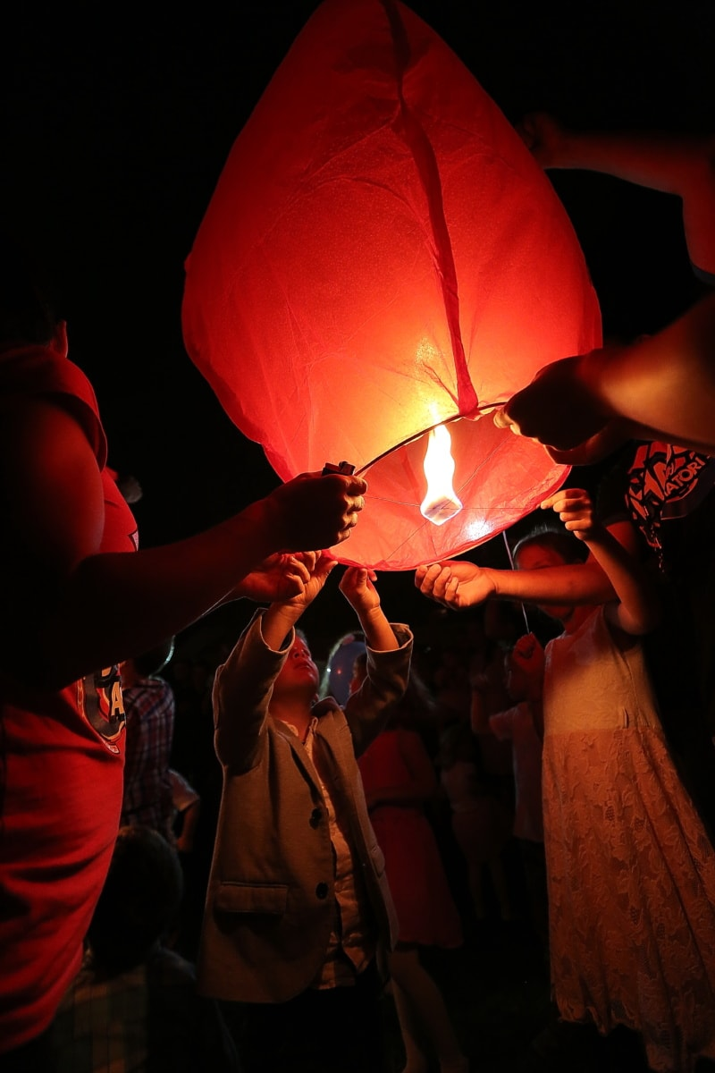 hot air, flame, event, lantern, air, night, crowd, hands, people, group