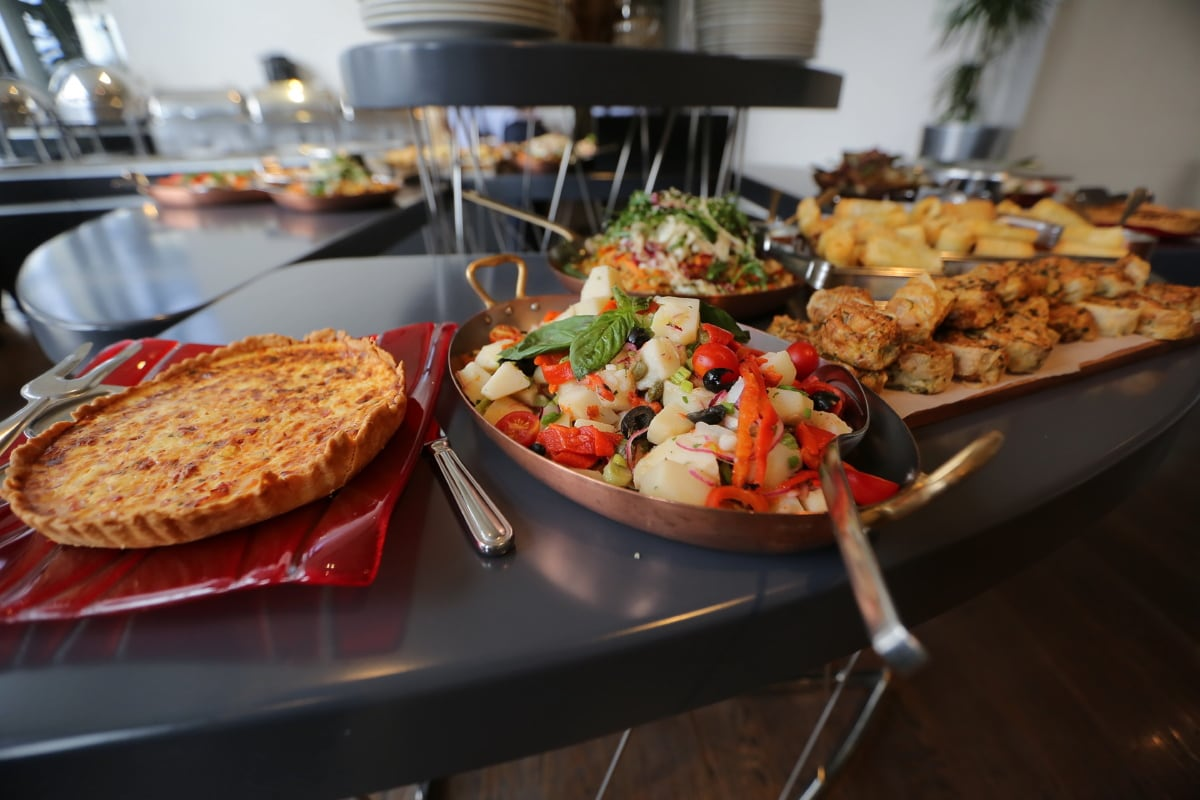 Küchentisch, Küche, Hotel, Abendessen, Essen, Mahlzeit, Restaurant, Bankett, Mittagessen, Fleisch