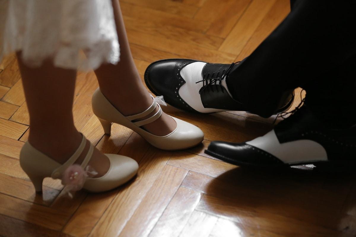 jeune marié, la mariée, chaussures, jambes, sandale, chaussures, talons hauts, chaussure, couvrant, femme