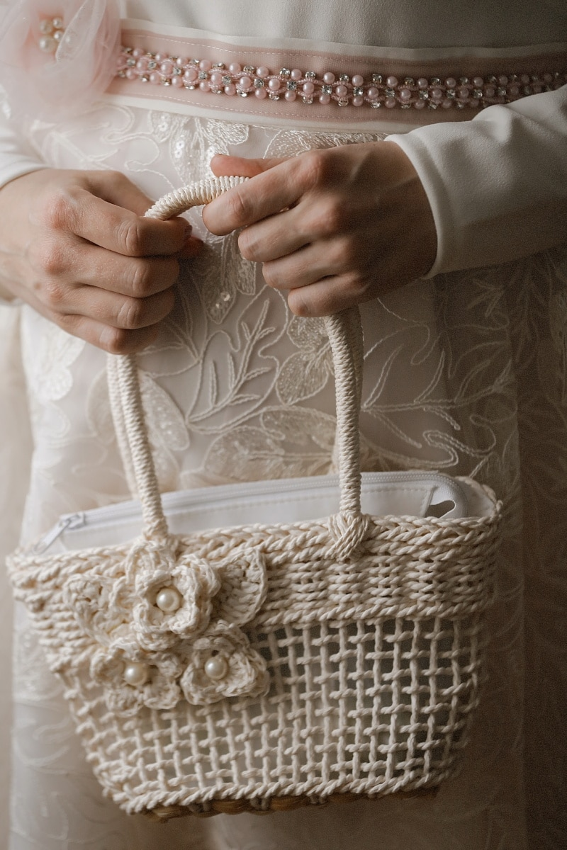 pearl, wedding dress, handbag, hands, woman, fashion, luxury, hand, skin, retro
