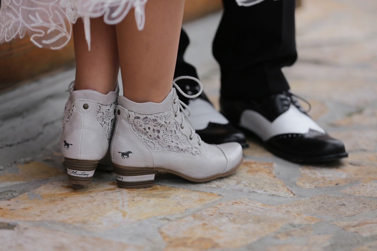 Señora, zapatos, blanco y negro, caballero, pareja, romántica, calzado, hecho a mano, piernas, mujer
