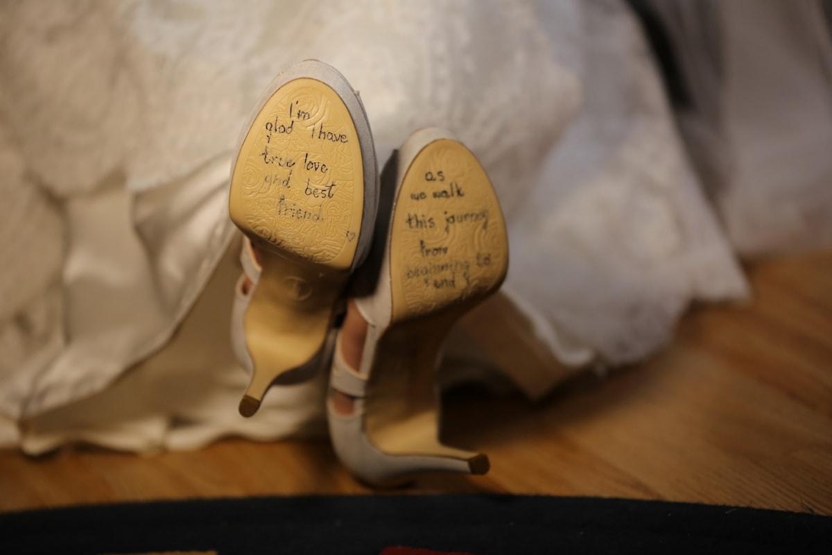 message, sandal, romantic, footwear, wedding dress, indoors, shoe, foot, blur, fashion