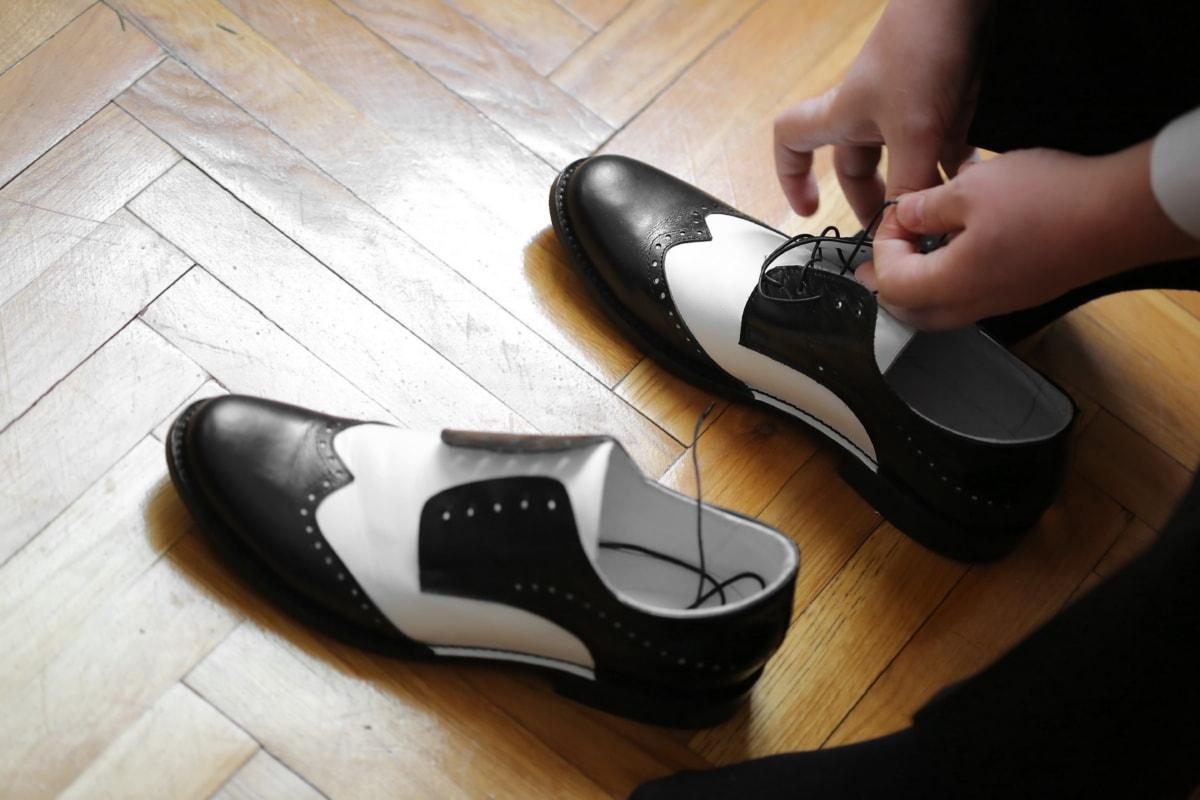 pantofi, alb-negru, şiret, picior, Incaltaminte, pantofi, din piele, pereche, moda, în interior