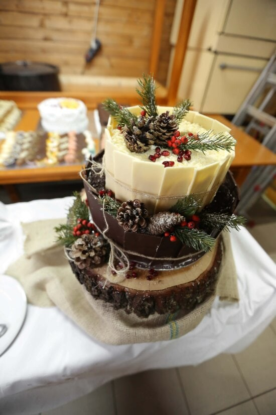 christmas, cake, baked goods, holiday, dessert, sweet, food, chocolate, delicious, sugar