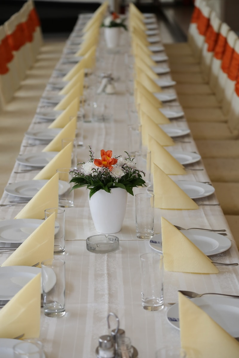 lunchroom, dining area, empty, restaurant, tableware, tablecloth, tables, vase, table, interior design