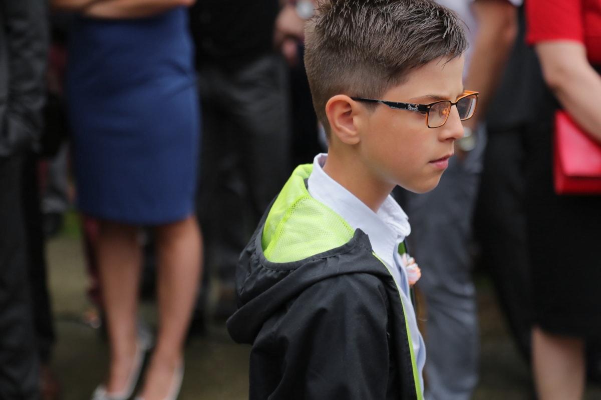 garçon, adolescent, Smart, jeune, Coiffure, vue de côté, lunettes de vue, élégant, confiant, gens