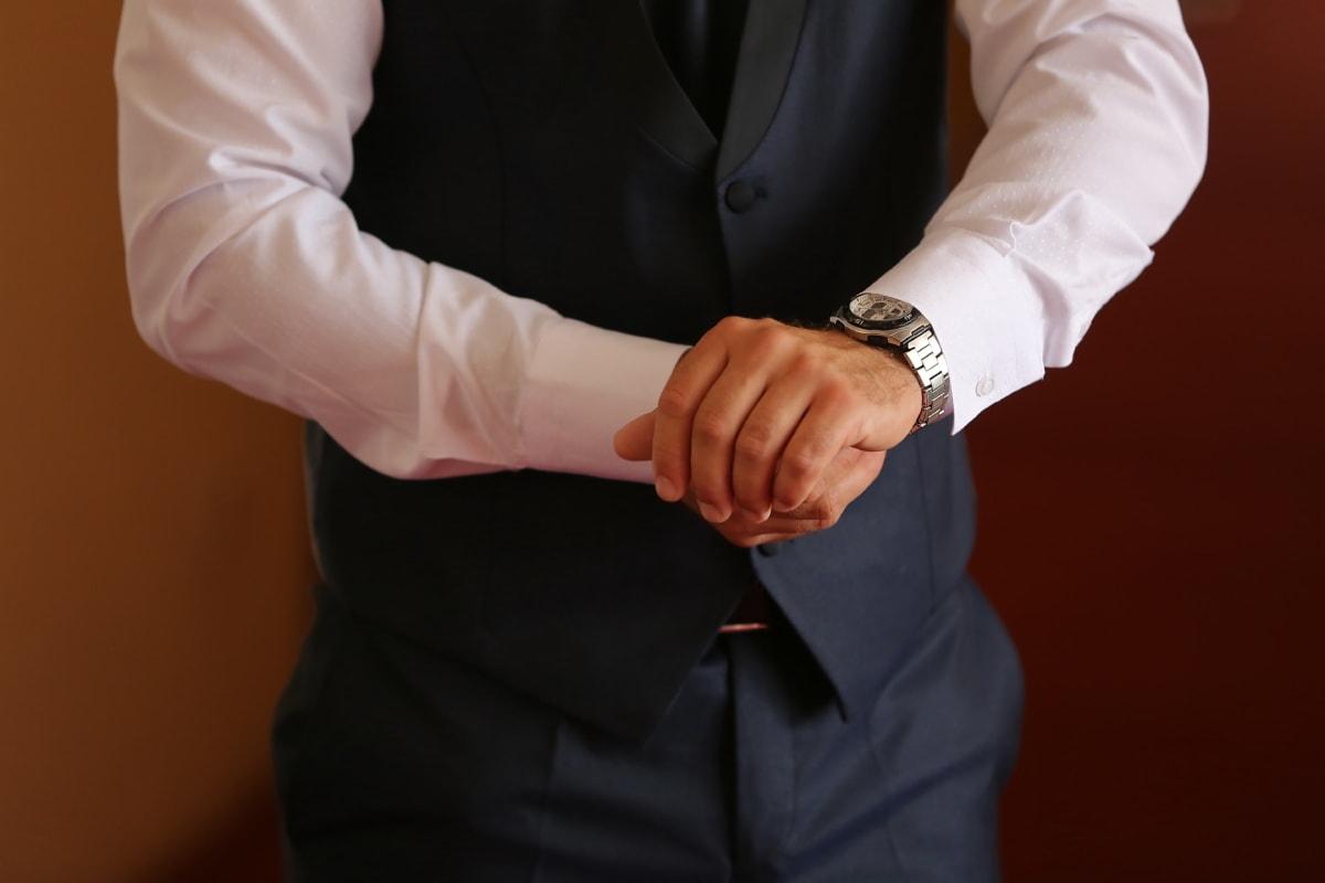 นาฬิกาข้อมือ, นักธุรกิจ, เหมาะสมกับ, ผูก, มือ, คน, คน, ธุรกิจ, คน, สัมผัส