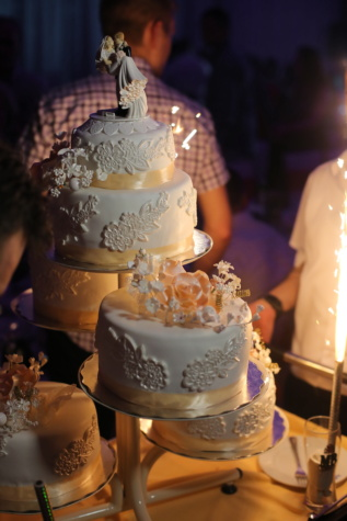 wedding cake, spark, celebration, candle, dinner, wedding, interior design, sugar, cake, chocolate