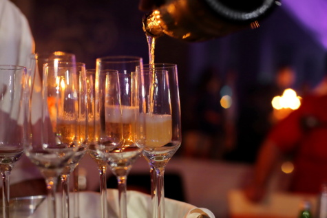 nightclub, glass, bartender, white wine, restaurant, wine, champagne, celebration, beverage, bottle