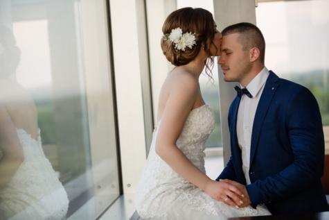 nevěsta, Polibek, oblek, svatební šaty, ženich, okno, pár, muž, zapojení, láska