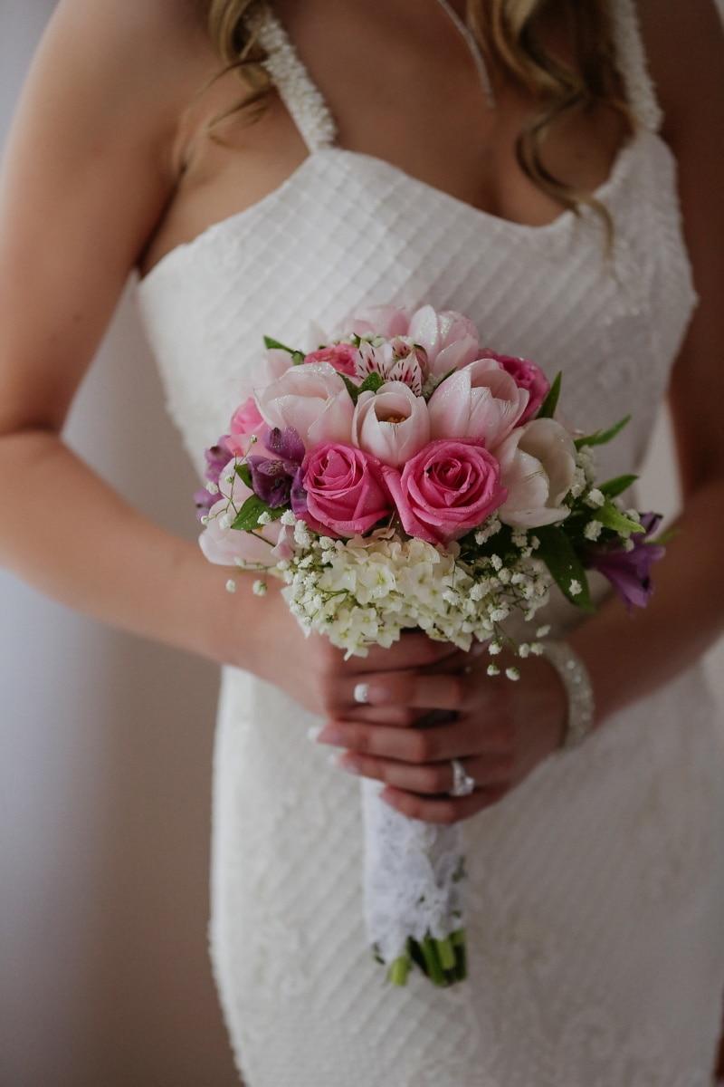 wedding bouquet, bride, wedding, woman, bouquet, romance, flower, elegant, rose, fashion