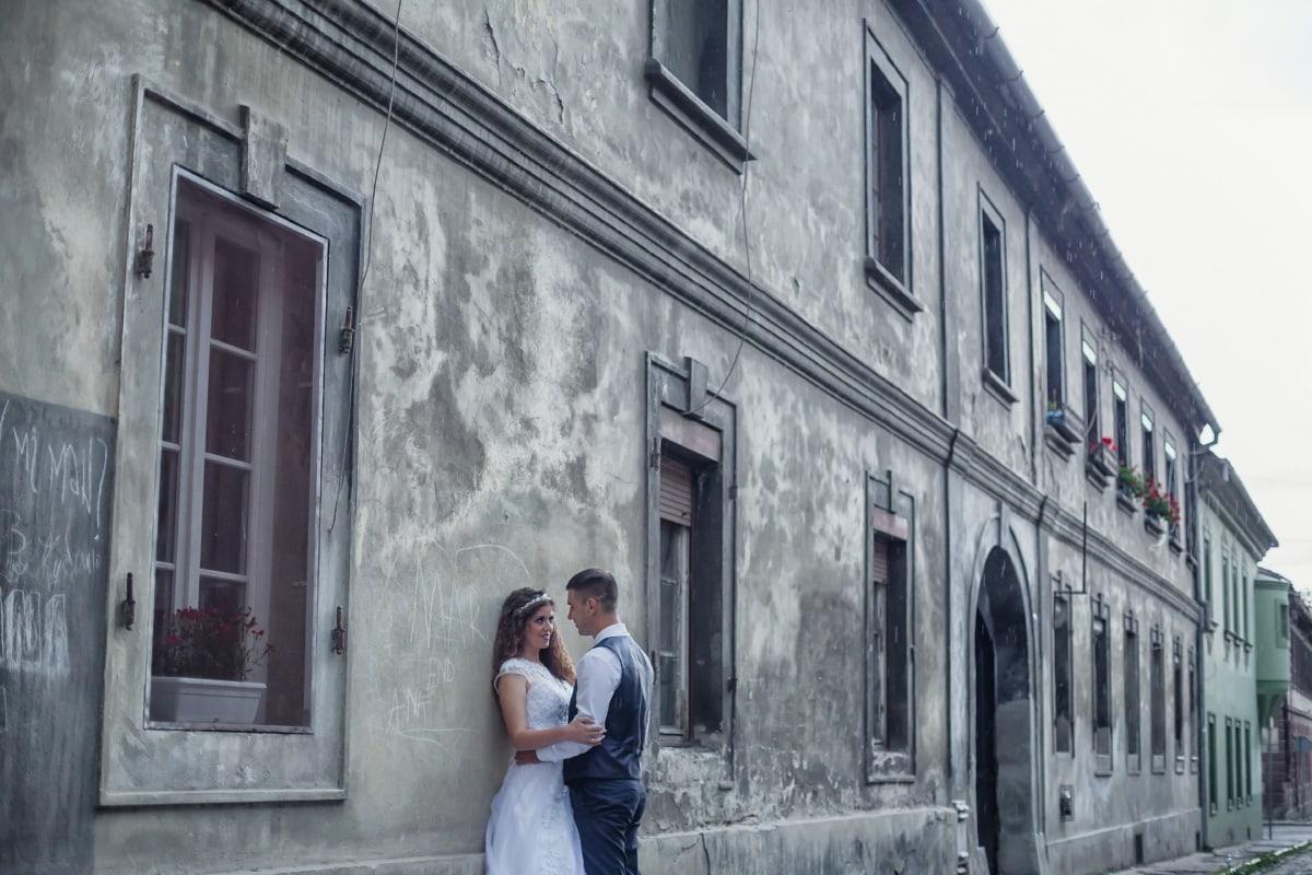 par, princeza, princ, romansa, ulica, arhitektura, zgrada, ljudi, žena, na otvorenom