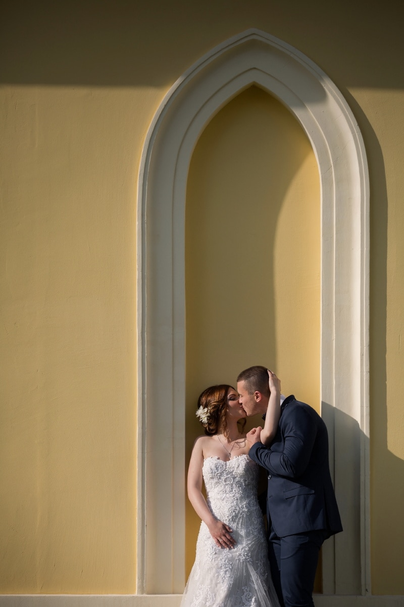 kiss, groom, bride, embrace, arch, wall, wedding, love, woman, girl