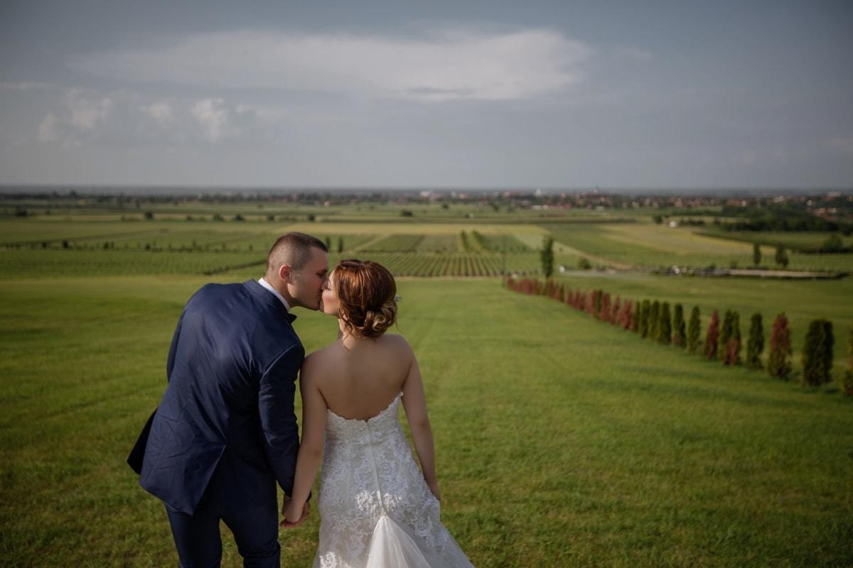 Kuss, idyllisch, Hügel, Feld, des ländlichen Raums, Wiese, Liebe, Hochzeit, Landschaft, Horizont