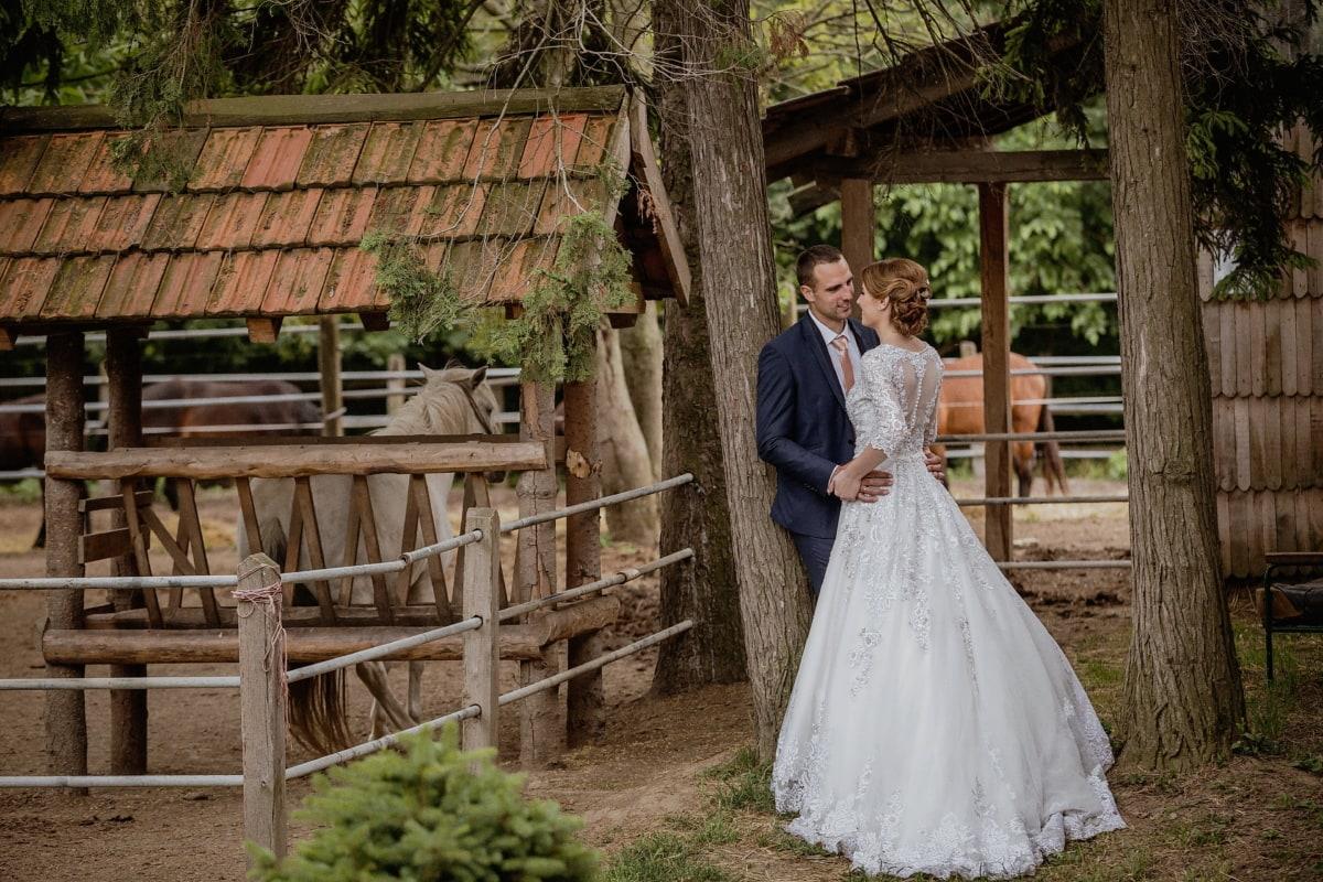 la mariée, villageois, village, jeune marié, mariage, Ranch, robe de mariée, gens, Accueil, femme
