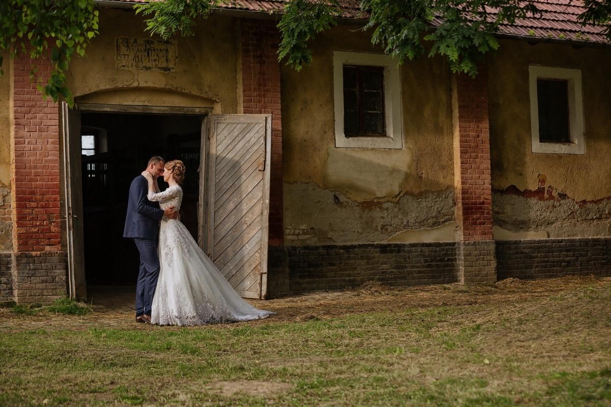 ranch, barn, farmhouse, bride, groom, front door, dress, wedding, people, girl