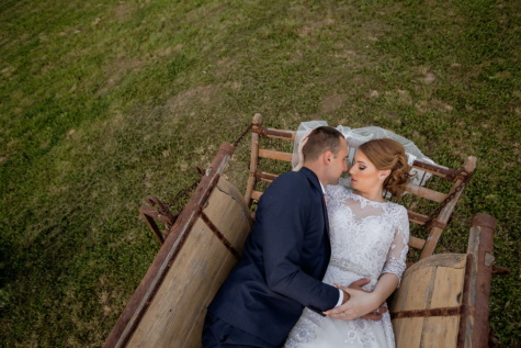 bride, laying, groom, carriage, wedding dress, wedding venue, wedding, love, people, romance