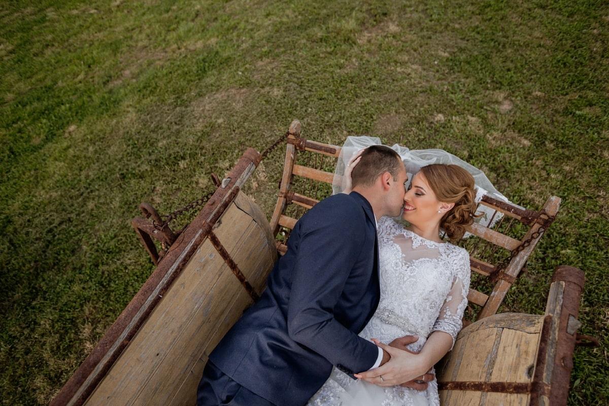 groom, bride, newlyweds, carriage, villager, nostalgia, hugging, romance, village, love