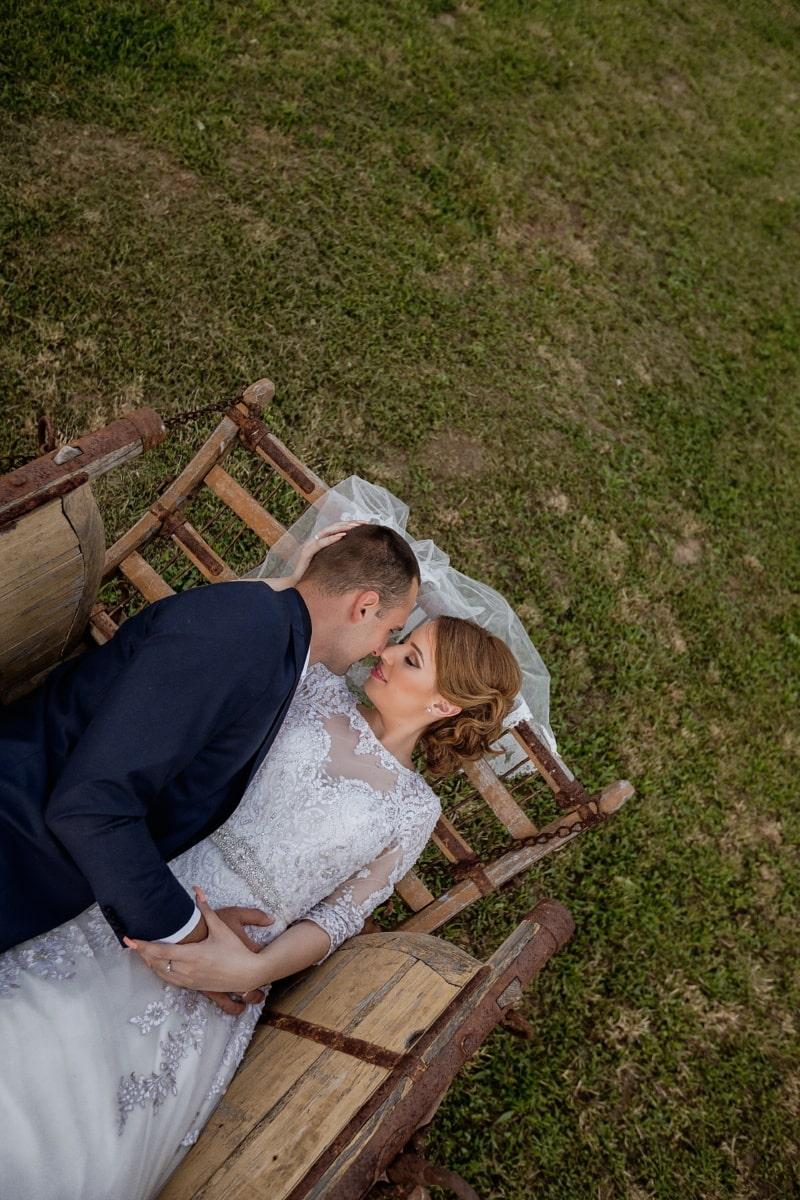 tout juste marié, couple, nostalgie, baiser, romance, village, transport, gens, mariage, amour