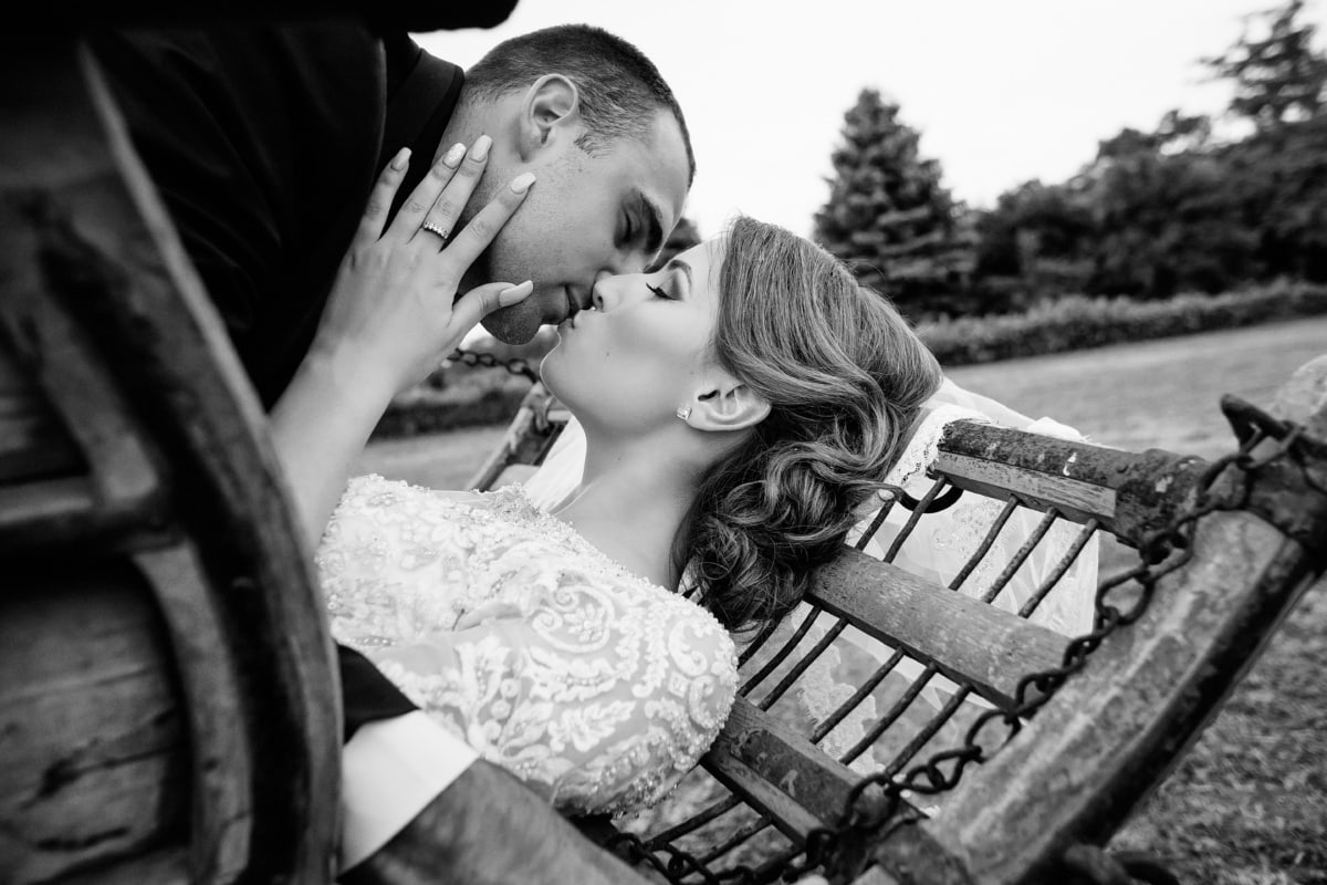 bride, kiss, groom, nostalgia, village, monochrome, people, woman, love, romance
