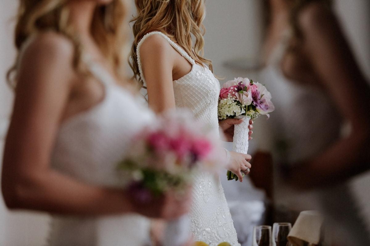 wedding bouquet, wedding dress, salon, bride, posing, mirror, reflection, bouquet, wedding, flowers