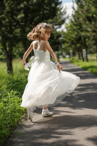 pretty girl, jumping, child, dancing, happiness, dress, innocence, beautiful, outdoors, summer