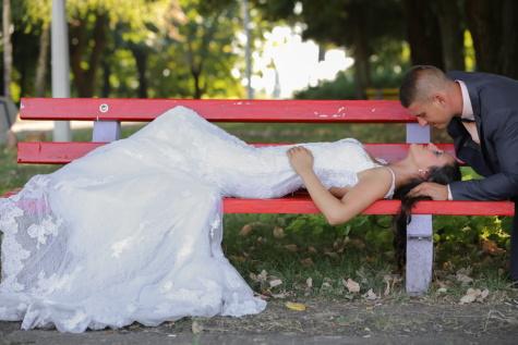 Braut, Bräutigam, frisch verheiratet, Park, Kuss, Sitzbank, Menschen, Natur, im freien, Mädchen