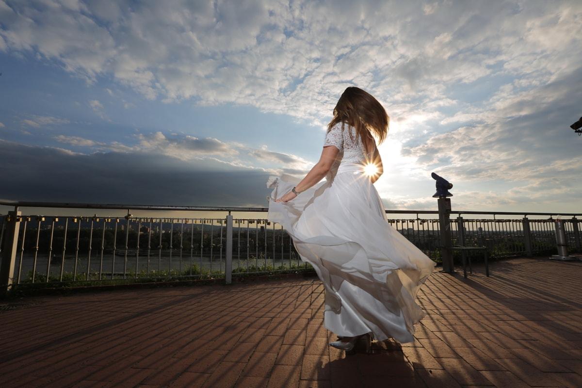 panoráma, terasz, naplemente, menyasszony, beszűrődik, esküvői ruha, ruha, lány, vőlegény, esküvő