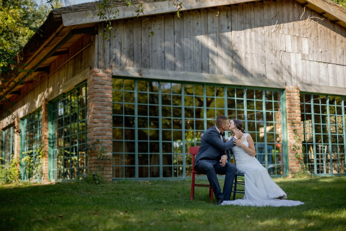 barn, just married, couple, home, people, wedding, outdoors, family, man, portrait
