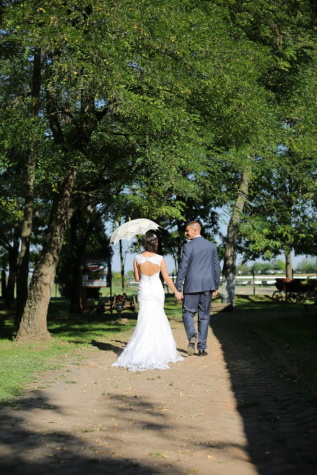 bride, groom, walking, umbrella, sunny, dress, marriage, wedding, engagement, girl