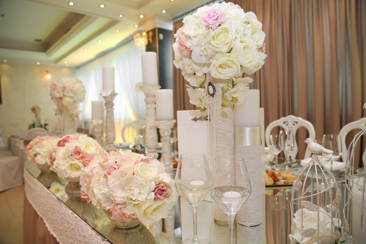 salle de mariage, moderne, fleurs, hôtel, table, confortable, bougies, chandelier, à l'intérieur, lustre