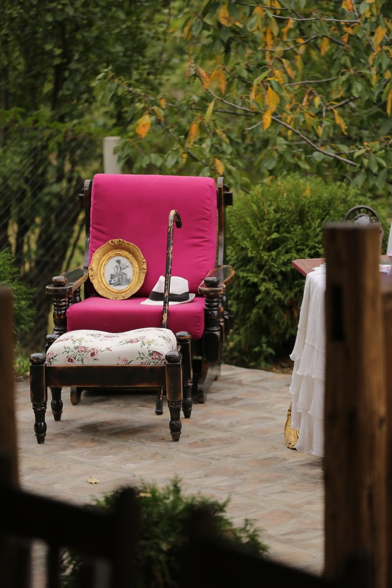 armchair, old fashioned, comfortable, backyard, interior, chair, furniture, seat, wood, flower