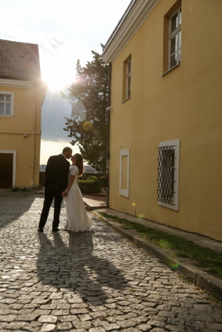 kiss, groom, bride, sunrays, sunny, street, wedding, people, architecture, woman