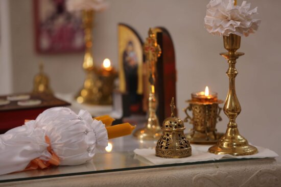 candlelight, candles, orthodox, christianity, altar, candlestick, spirituality, brass, golden shine, candle