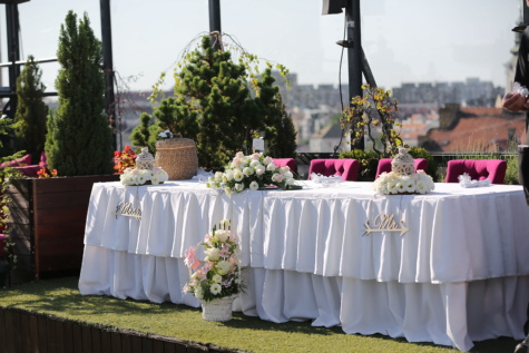 panoramic, wedding venue, rooftop, tablecloth, tables, decorative, wedding, ceremony, flower, celebration