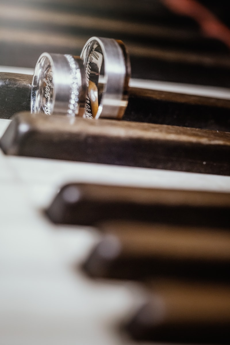 old fashioned, nostalgia, rings, jewelry, piano, close-up, wedding ring, elegance, instrument, still life