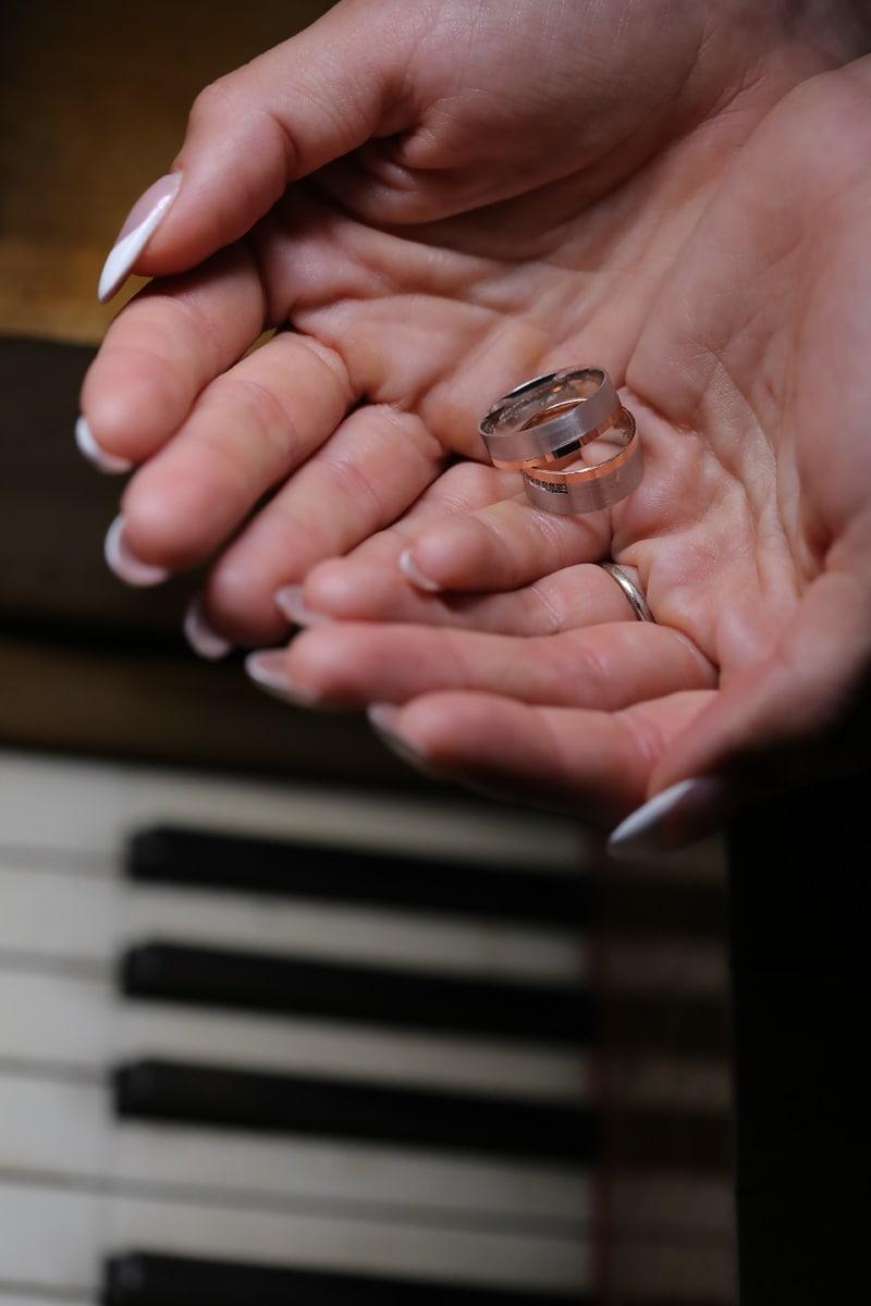 musician, piano, wedding ring, close-up, finger, gold, handmade, hands, hand, instrument