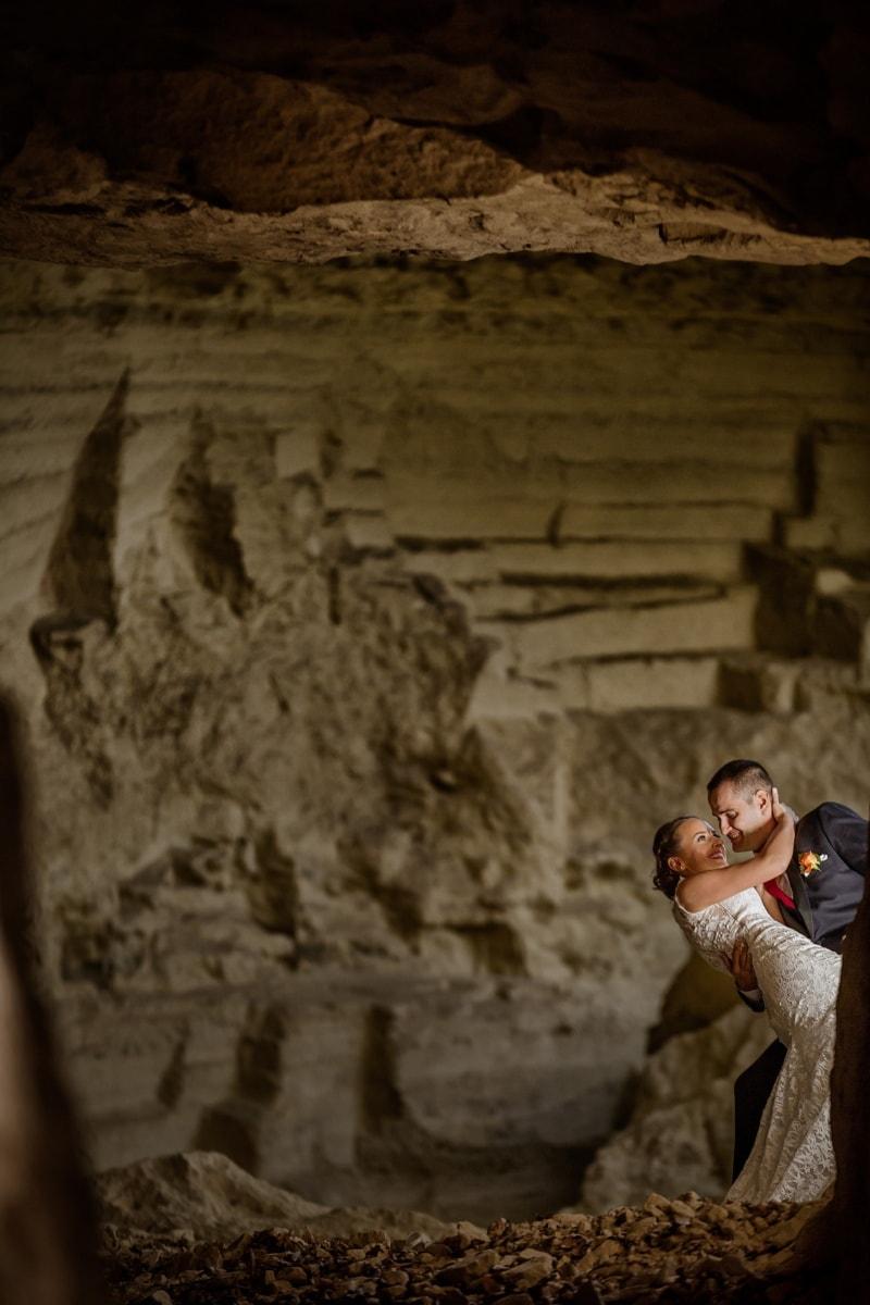 unter Tage, Jungvermählten, Höhle, Braut, Bräutigam, Wüste, Klippe, Menschen, Rock, Schlucht
