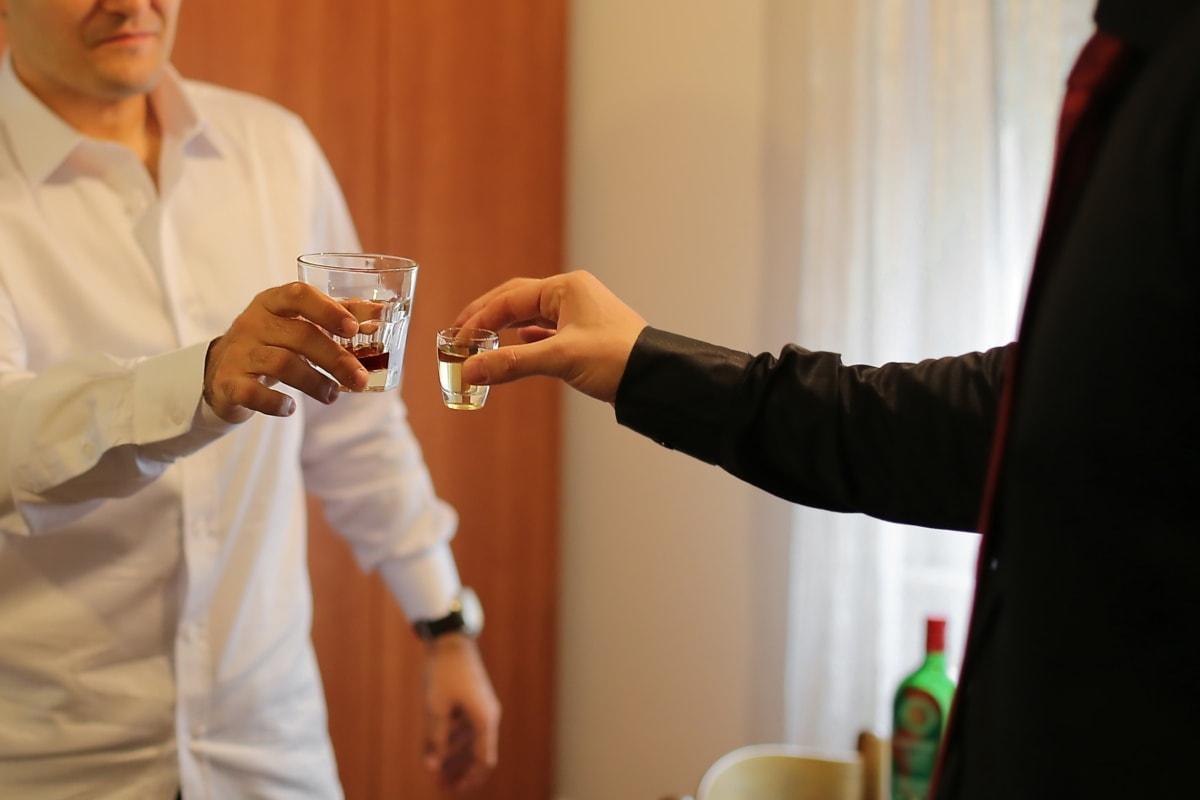 cocktails, alcool, Hommes, consommation d'alcool, jouissance, succès, célébration, homme d'affaire, homme, à l'intérieur