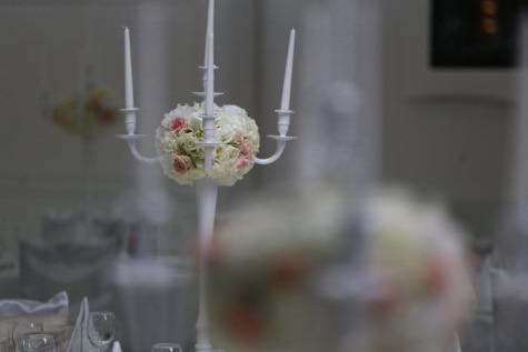 elegante, stearinlys, lysestake, bukett, hvit, blomster, dekorasjon, bryllup, blomst, innendørs