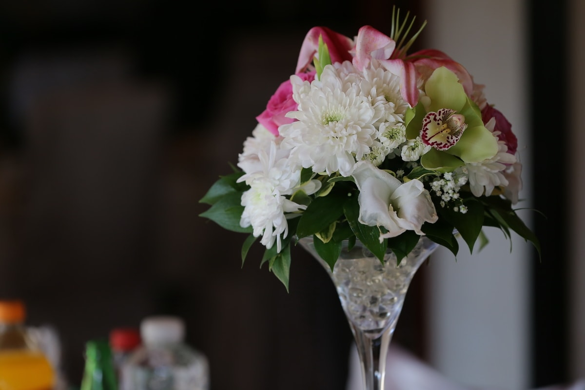 bouquet, crystal, vase, close-up, interior decoration, flower, decoration, flowers, arrangement, elegant