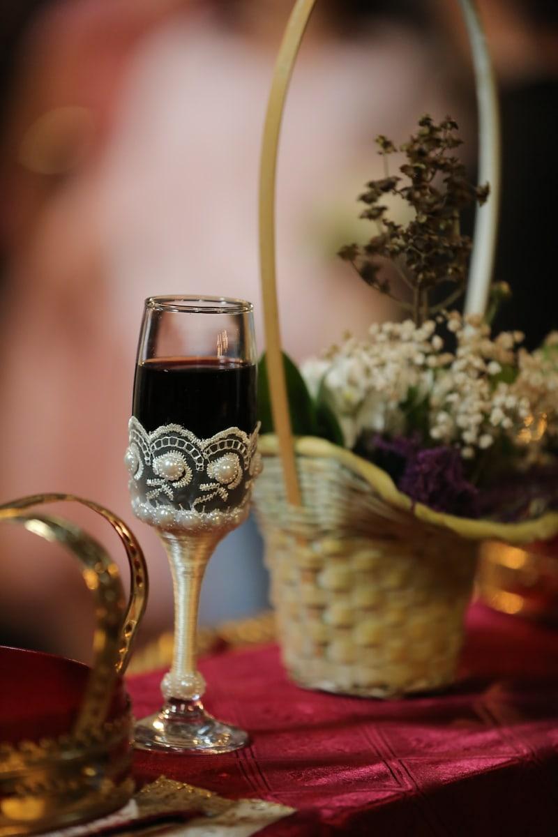 crown, wicker basket, red wine, still life, glass, party, drink, wine, celebration, beverage