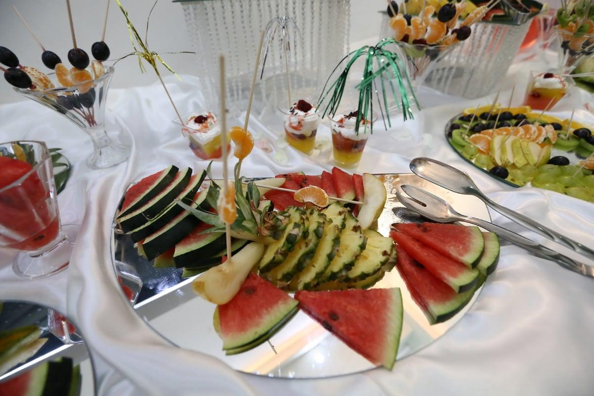watermelon, pineapple, citrus, buffet, salad bar, mandarin, fruit, restaurant, plate, salad