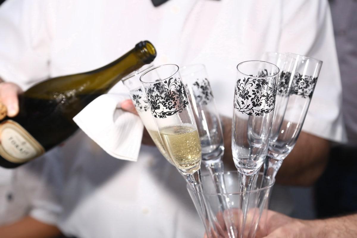 decoration, glass, crystal, white wine, champagne, beverage, nightlife, ceremony, bartender, party