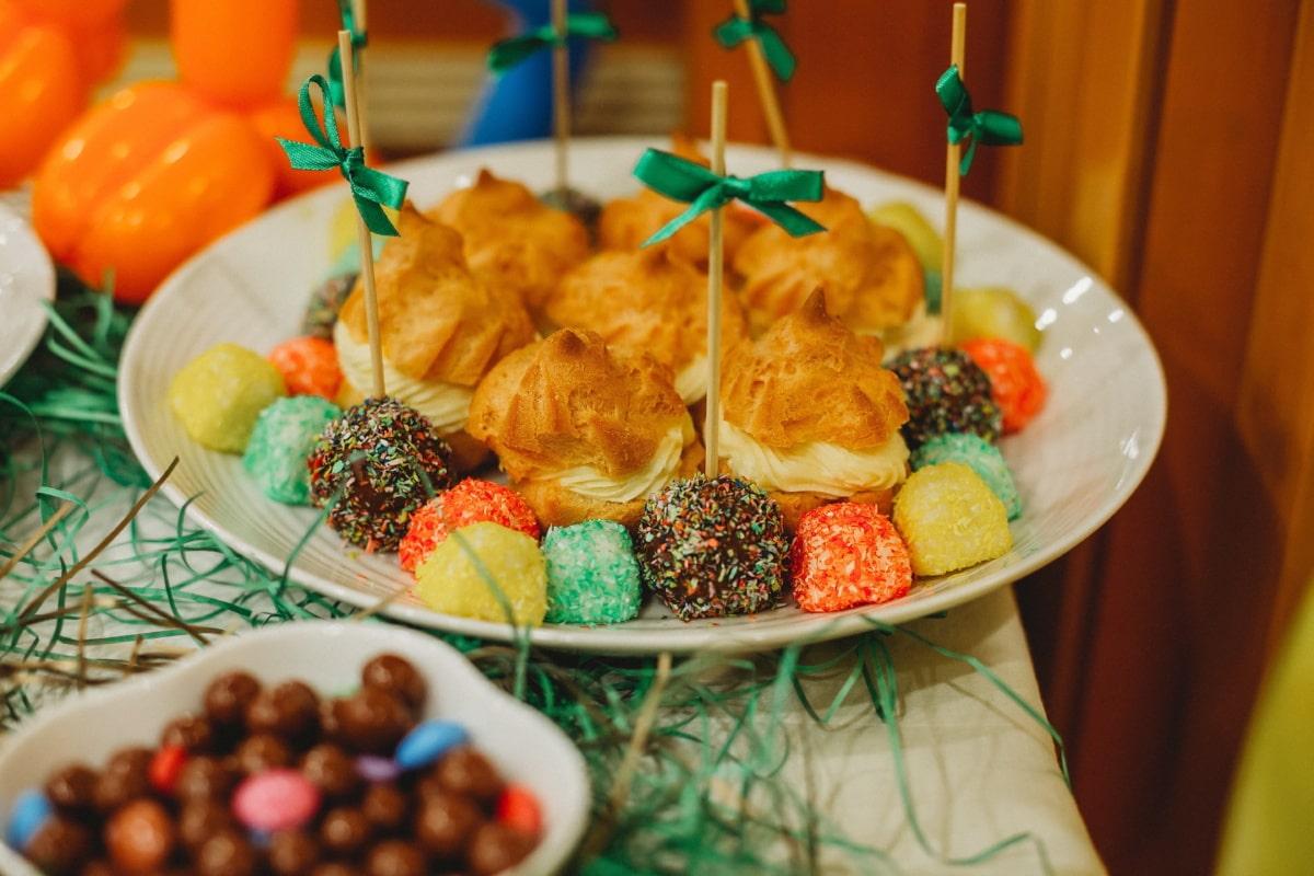 la sucette, produits de boulangerie, restauration rapide, parti, alimentaire, repas, plaque, fraise, traditionnel, sucre